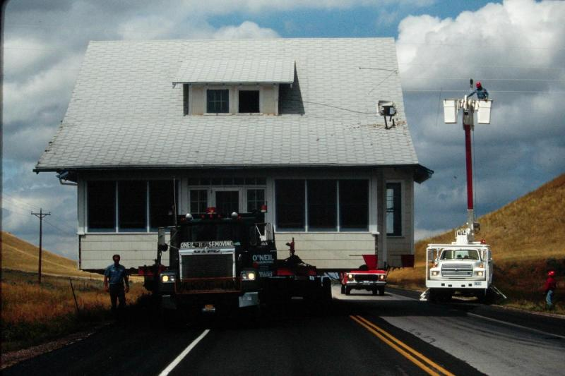 House move on highway